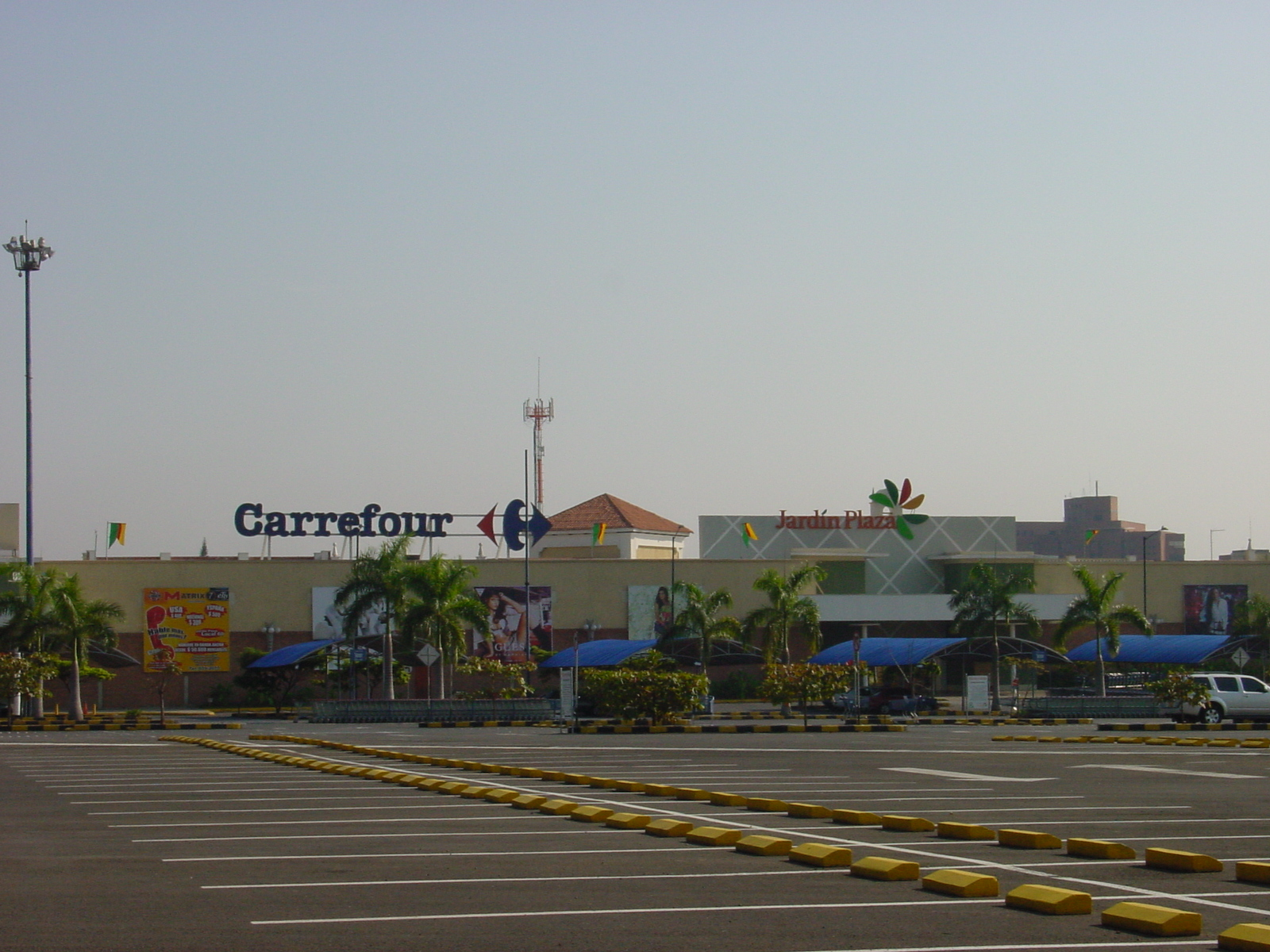 Centro comercial jard n plaza cali inelco s a s for Jardin plaza cali